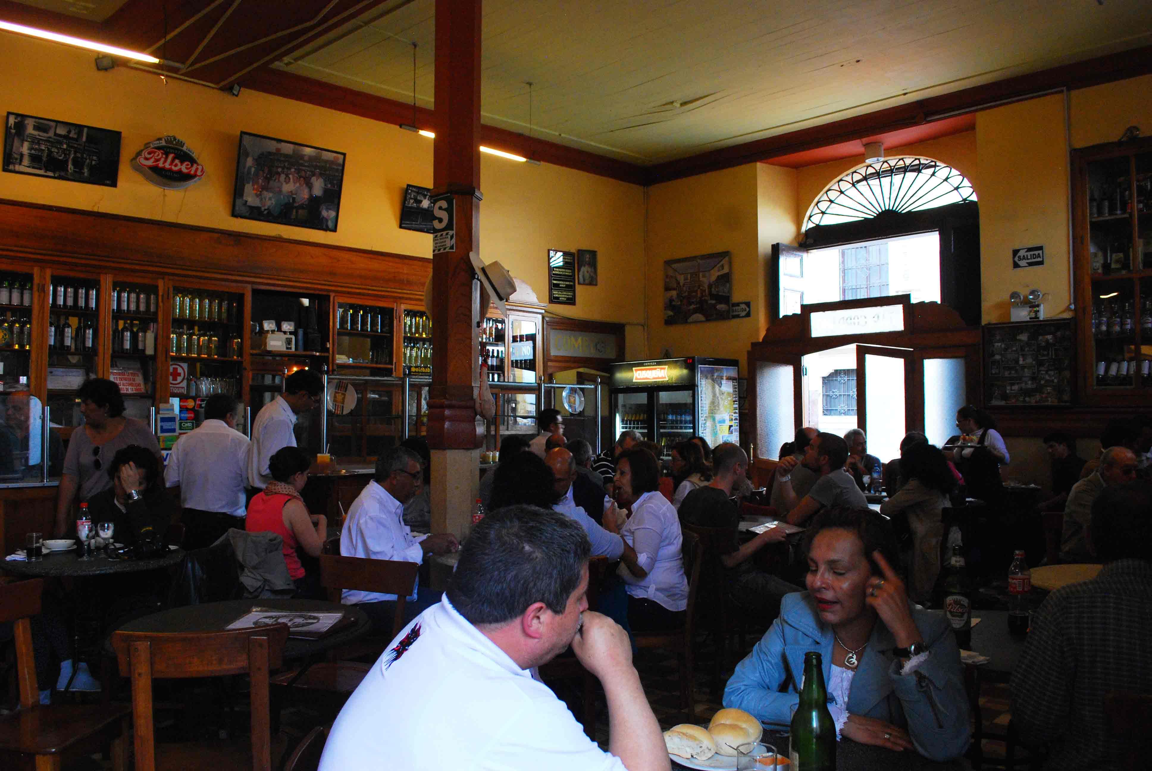 Bar e Restaurante Cordano no centro de Lima, Peru
