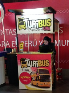 Módulo de vendas do turibus no shopping Larcomar