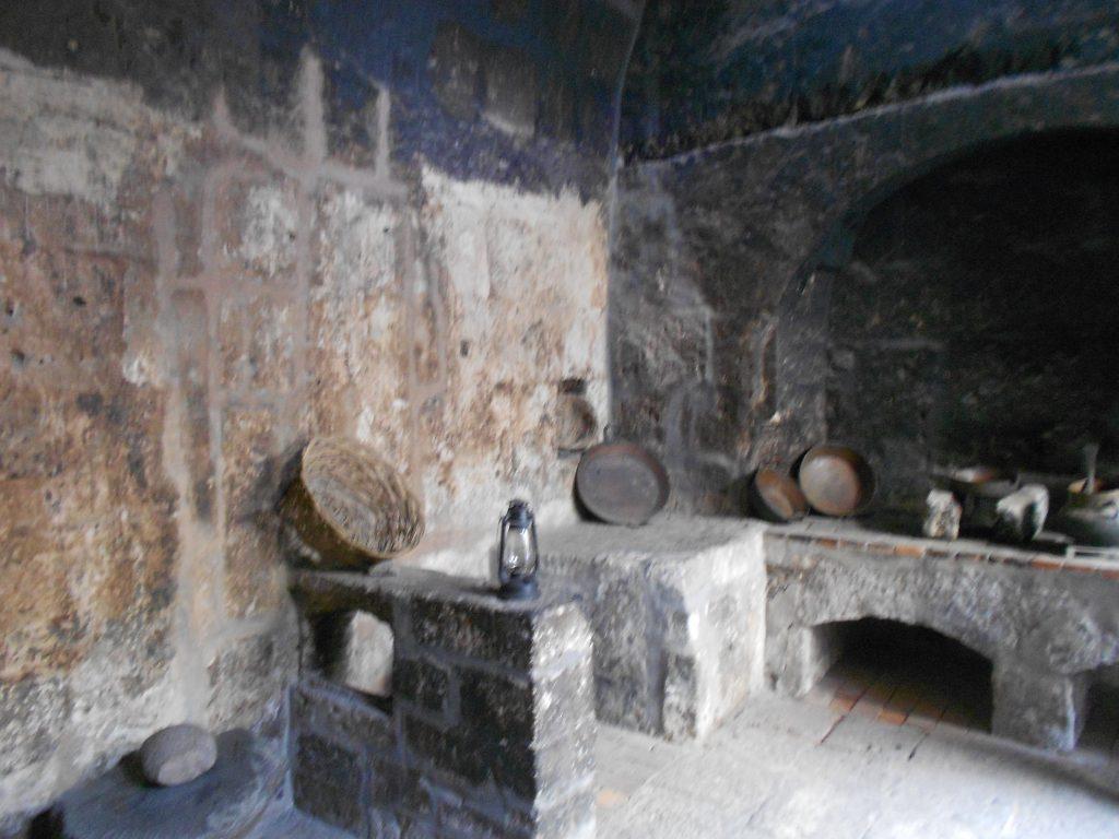Cozinha de um dos 'apartamentos'.