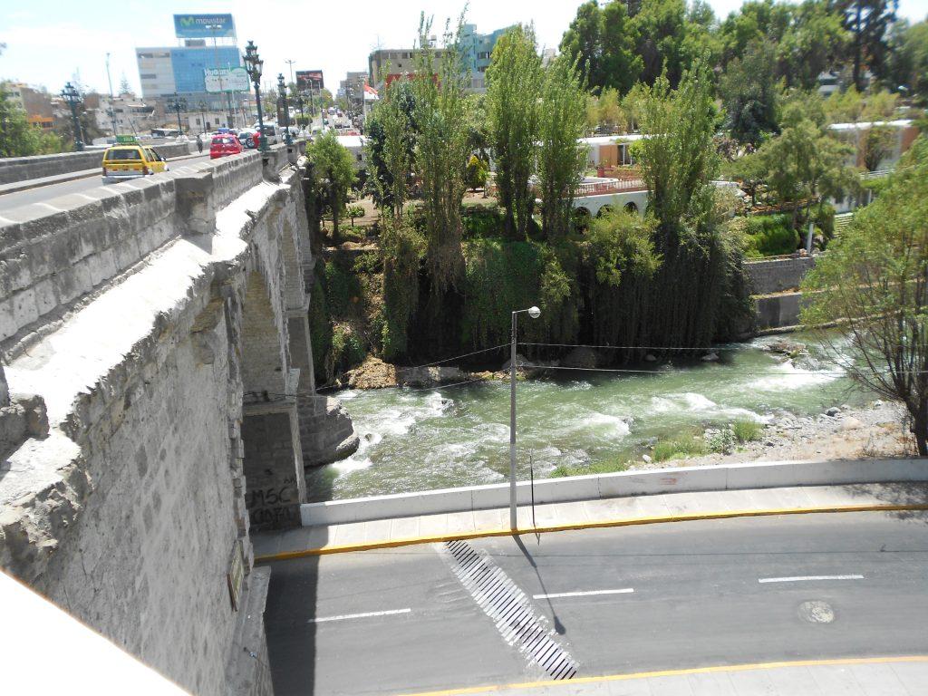Ponte Grau - caminho até Yanahuara
