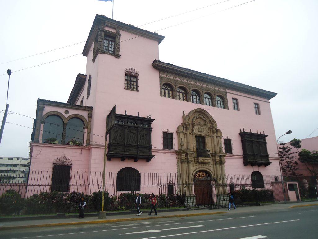 Casarão colonial em Lima, Peru.