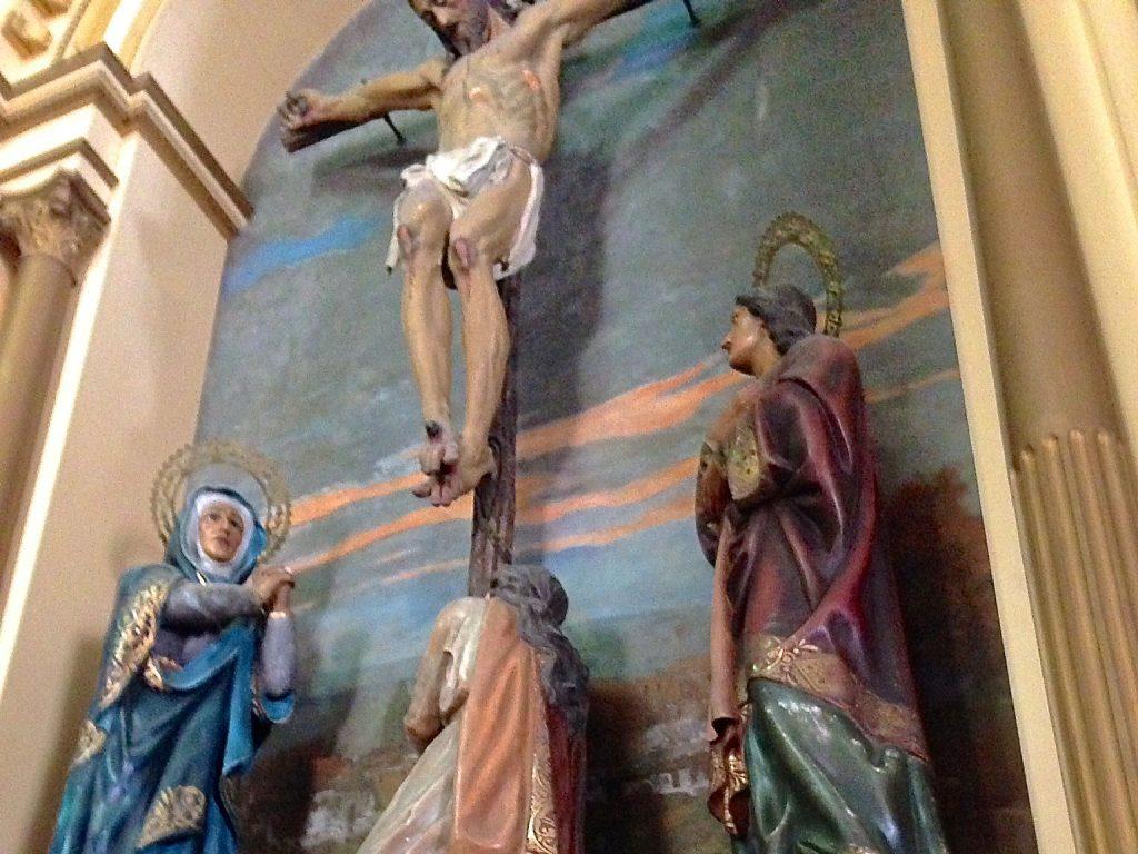 Um dos altares da Igreja San Jose.