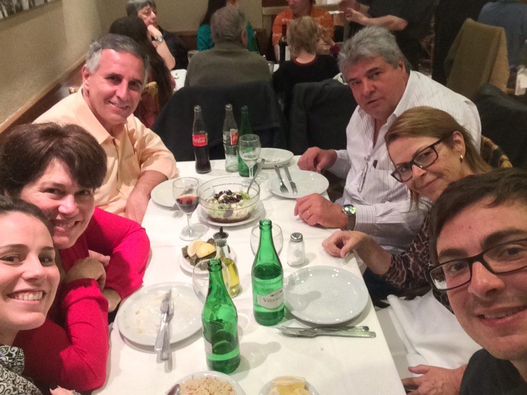 Família reunida no Sarkis!