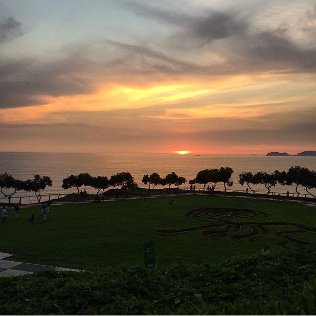 Parque Maria Reiche, no Malecón de Miraflores