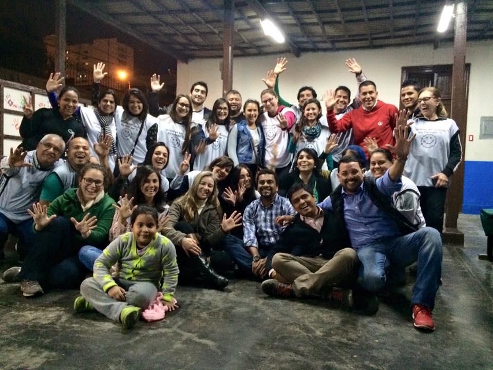 Voluntários Las Manos que Ayudan Perú.
