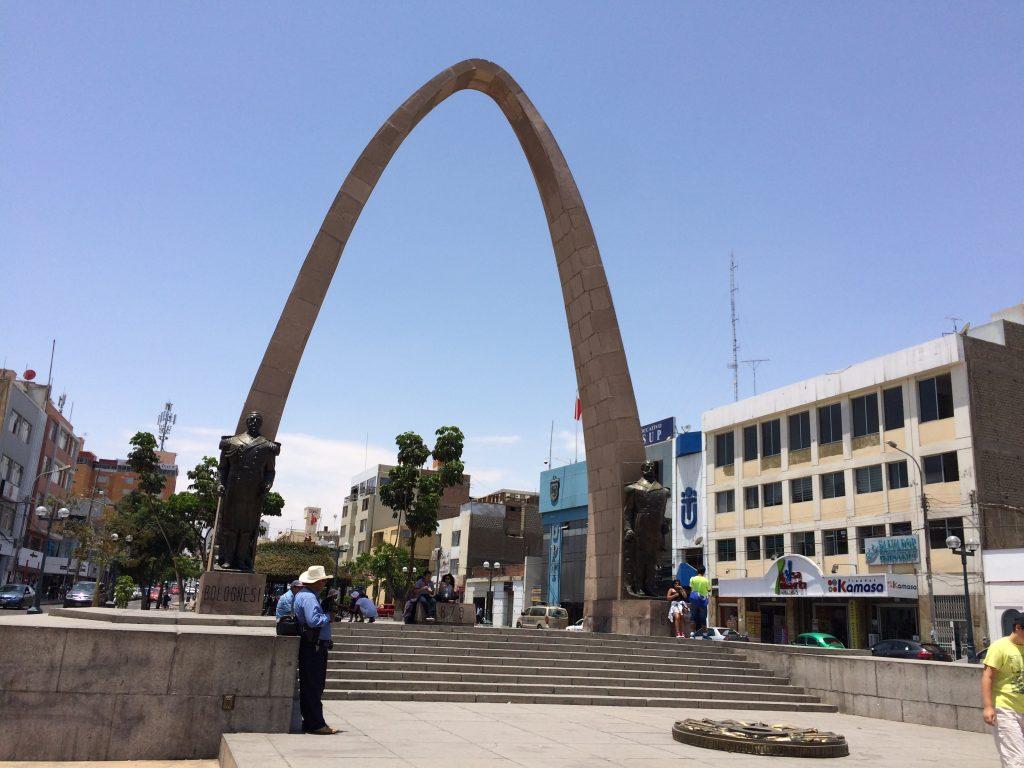 Arco Parabólico - Tacna